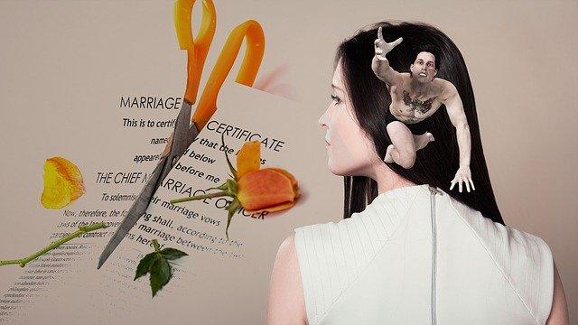 فرق درخواست طلاق از طرف زن با درخواست طلاق مرد